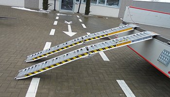 Foldable ramps capacity to 1400kg.