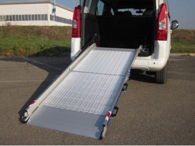 WM LIGHT-R stacionari mikroautobuso rampa