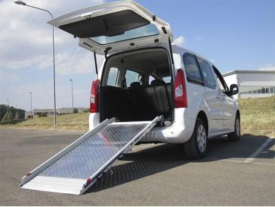 WM Superlight stacionari mikroautobuso rampa